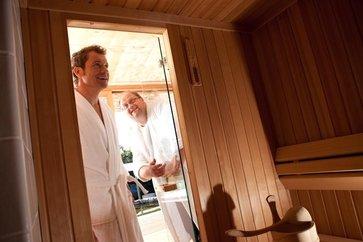 sauna und infrarotkabine im vergleich lagerhaus gleinst tten ehrenhausen wies. Black Bedroom Furniture Sets. Home Design Ideas