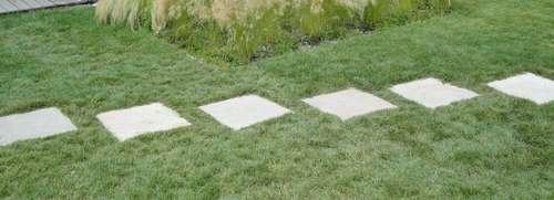 Trittplatten Im Rasen gehwege im garten mit natursteine verlegen lagerhaus