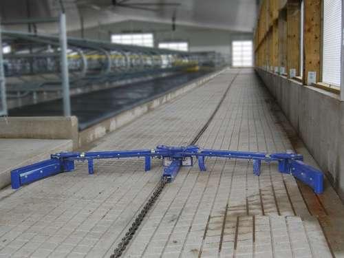 DeLaval Entmistungsanlage mit Kettenantrieb   Lagerhaus